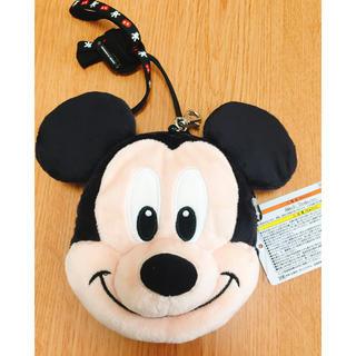 ディズニー(Disney)の【新品】ミッキー ♡ パスケース(パスケース/IDカードホルダー)