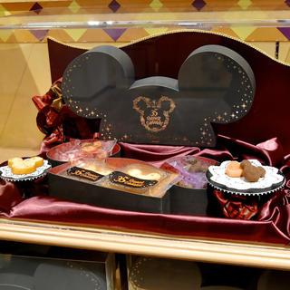 ディズニー(Disney)の【値下不可】Disney 35周年 限定 アソーテッドスウィーツ ディズニー(キャラクターグッズ)