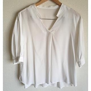 オフオン(OFUON)の【新品未使用】OFUON☆スキッパーシャツ  ブラウスホワイト(シャツ/ブラウス(長袖/七分))