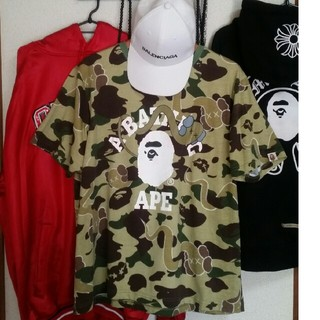 A BATHING APE - [名作、激レア] BAPE × Kaws Tシャツ