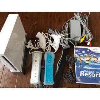ウィー(Wii)のWii 本体とその他付属品(家庭用ゲーム本体)