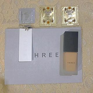 THREE - THREE フローレスエシリアルフルイド ファンデーション 101
