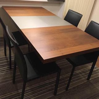 【ボーコンセプト】Occa旧伸張式ダイニングテーブル4〜6人掛け(ダイニングテーブル)