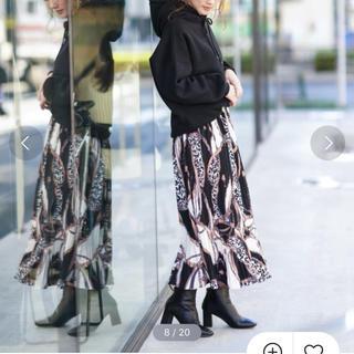 アンティローザ(Auntie Rosa)のスカーフ柄プリーツスカート(ひざ丈スカート)