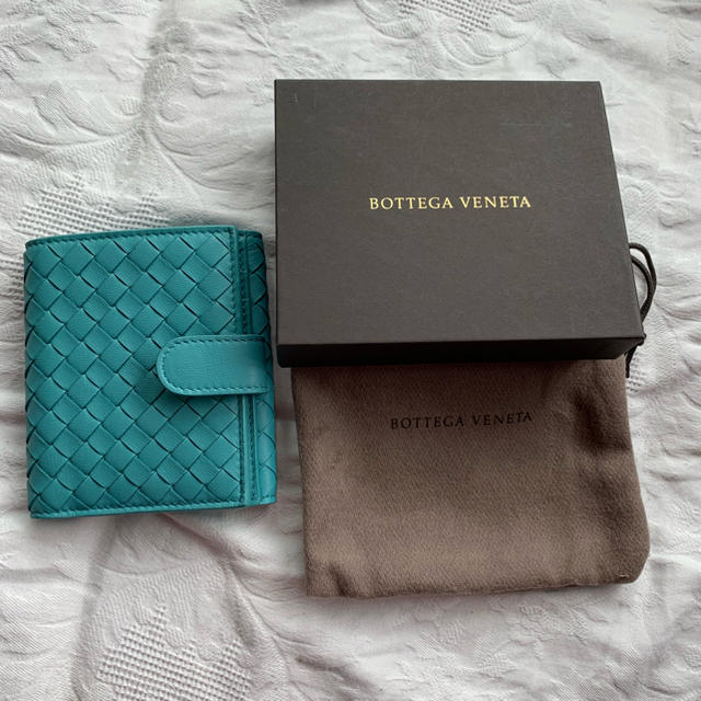 Bottega Veneta(ボッテガヴェネタ)の新品未使用 ボッテガ ヴェネタ 二つ折り財布  BOTTEGAVENETA  レディースのファッション小物(財布)の商品写真