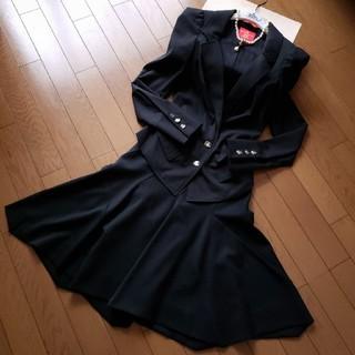 ヴィヴィアンウエストウッド(Vivienne Westwood)のREDスカートスーツセットアップ(セット/コーデ)