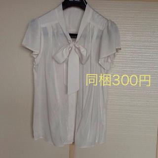 オフオン(OFUON)のOfuon🌟ホワイト リボン 半袖ブラウス(シャツ/ブラウス(半袖/袖なし))