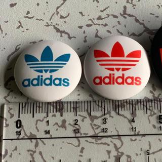 アディダス(adidas)のバッチ(バッジ/ピンバッジ)