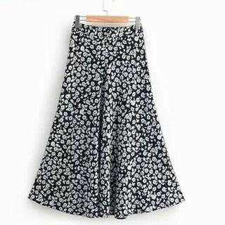 ザラ(ZARA)の~新品 花柄 スカート ~フラワー(ロングスカート)