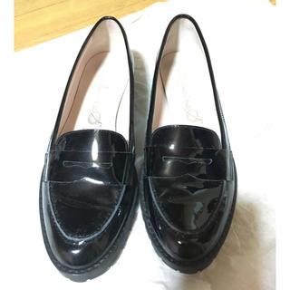スピックアンドスパン(Spick and Span)のエナメル ローファー(ローファー/革靴)