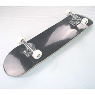 新品 スケートボード コンプリート スケボー ブランクデッキ 完成品 BK(スケートボード)