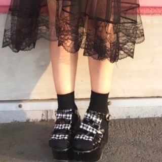 ウィゴー(WEGO)の☆新品未使用☆WEGO ウィゴー エナメルリボンサンダル 黒(サンダル)