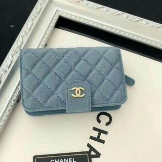 CHANEL - シャネルマトラッセ 二つ折り財布美品