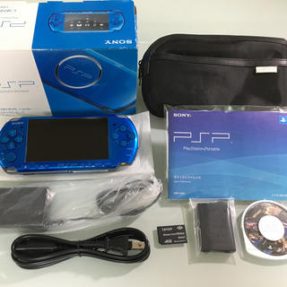 プレイステーションポータブル(PlayStation Portable)の☆ほぼ新品☆ PSP-3000 バイブラントブルー(携帯用ゲーム本体)