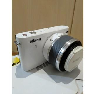 ニコン(Nikon)のニコン・Nikon 1 J1 ミラーレスカメラ(ミラーレス一眼)