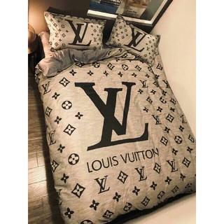 LOUIS VUITTON - 最新の春夏物、季節の寝具LV寝具カバー 4点セット 掛け布団カバー高級感