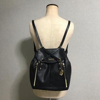 アーヴェヴェ(a.v.v)の美品 a.v.v 2way リュック ショルダーバッグ 黒 ブラック鞄(リュック/バックパック)