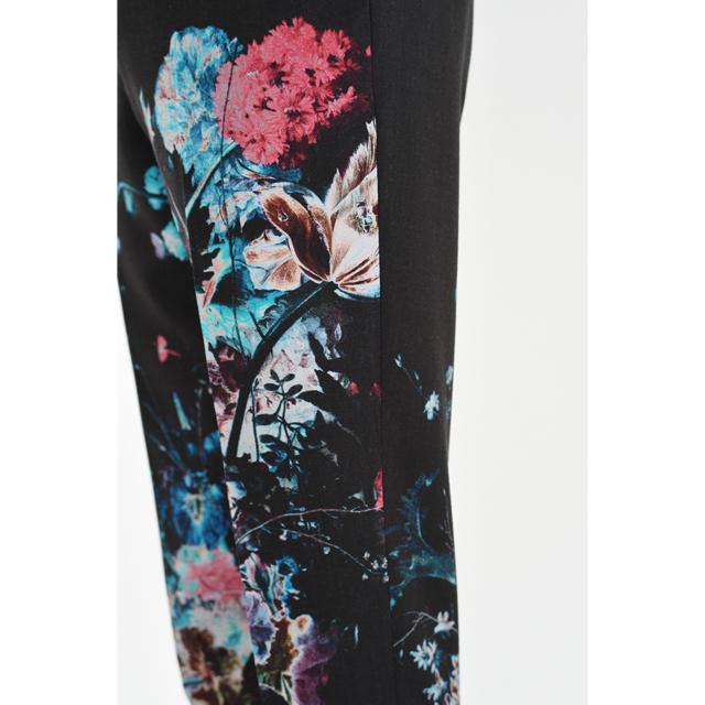 LAD MUSICIAN(ラッドミュージシャン)の【新品】ラッドミュージシャン スリムスラックス 42 花柄 ビビッド 川上洋平 メンズのパンツ(スラックス)の商品写真