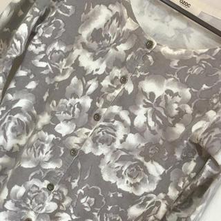 オゾック(OZOC)の🖤OZOC花柄カーディガン•38サイズ(カーディガン)
