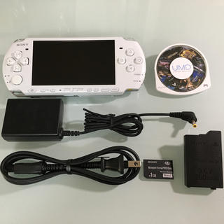 プレイステーションポータブル(PlayStation Portable)のPSP-3000 パールホワイト(携帯用ゲーム本体)