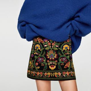 ザラ(ZARA)のZARA 新品タグ付き 刺繍ミニスカート(ミニスカート)