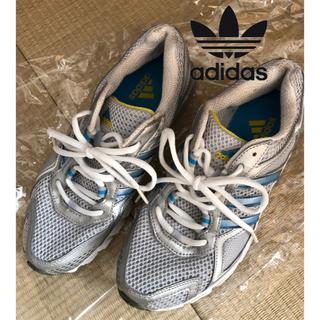 アディダス(adidas)のアディダス ランニングシューズ シルバー 23.5cm(シューズ)