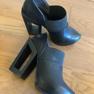 アールアンドイー(R&E)の新品同様 美品 R&E ショートブーツ Sサイズ(ブーティ)