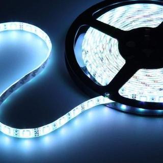 12V超高輝度 5M 600連 LEDテープ 防水 切断可能 白ベース/LEDグ(蛍光灯/電球)