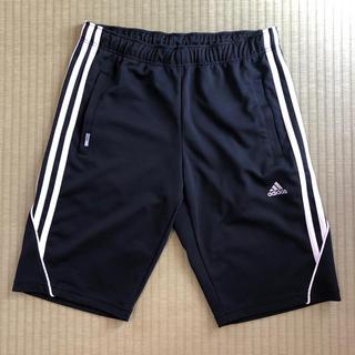 アディダス(adidas)のadidas☆アディダス黒ハーフパンツ(M)(ハーフパンツ)