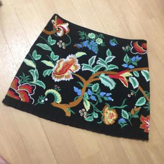 ザラ(ZARA)のZARA 刺繍ミニスカート(ミニスカート)