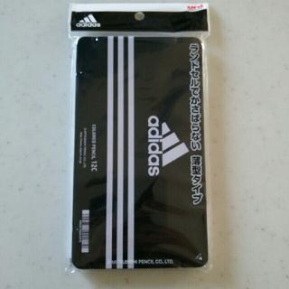 アディダス(adidas)の新品◆未開封「【送料込み】uni adidas色鉛筆880 12色 AI 黒 」(色鉛筆 )