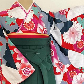 振袖 袴 セット【レトロカラフルで可愛いらしい雰囲気‼︎】〈新品〉(振袖)