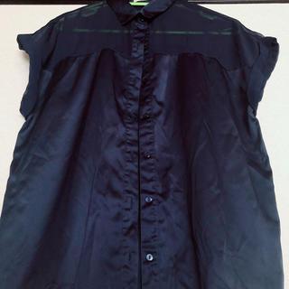 ジーユー(GU)のシースルートップス(シャツ/ブラウス(半袖/袖なし))