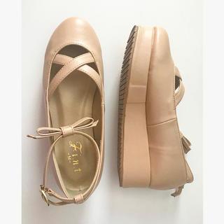 フィント(F i.n.t)のFi.n.t 美品💓リボンベルト付きクロスストラップ フラットシューズ(ローファー/革靴)