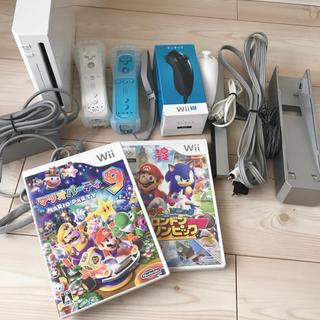 ウィー(Wii)のWii 本体 ソフト 3本セット(家庭用ゲーム本体)