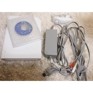 ウィー(Wii)のWii 本体、クラシックコントローラー(ホワイト)(家庭用ゲーム本体)