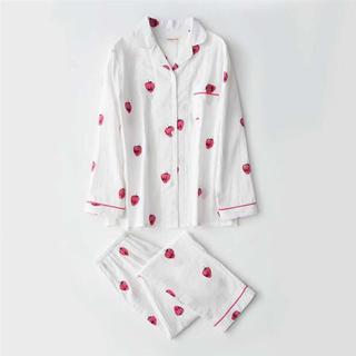 いちご パジャマ 白  綿100% 長袖(ルームウェア)