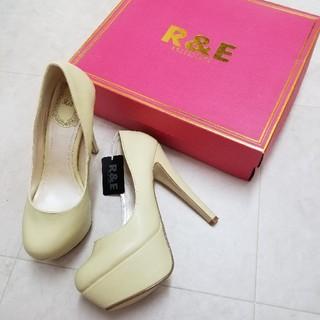 アールアンドイー(R&E)のR&Eパンプス(ハイヒール/パンプス)