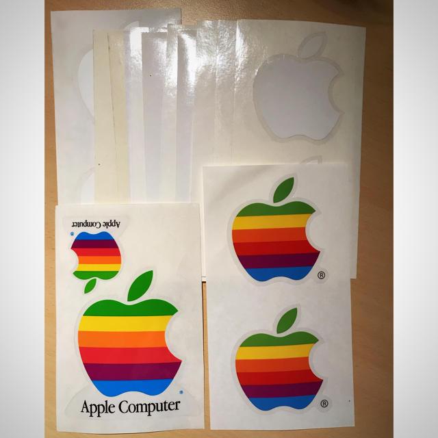 Apple(アップル)のAppleステッカー レインボー クラシック エンタメ/ホビーのコレクション(ノベルティグッズ)の商品写真