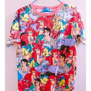 ディズニー(Disney)のアリエル総柄Tシャツ(Tシャツ(半袖/袖なし))
