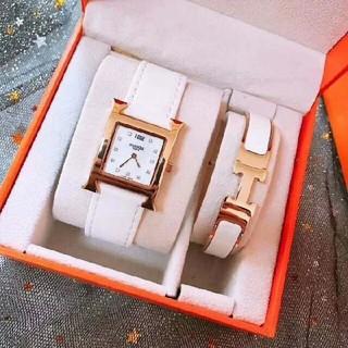 Hermes - 未使用  エルメス 2点セット 腕時計 バングル