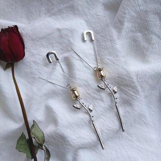ZARA - 薔薇の片耳ピアス ヴィンテージ 海外インポート