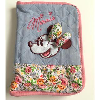 Disney - ミニー 母子手帳 通帳 ケース 花柄 ディズニーリゾート 診察券入れ