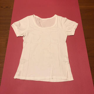 タスタス(tasse tasse)のtaste tasse タスタス スリット入りTシャツ M サイズ2 白い(Tシャツ(半袖/袖なし))