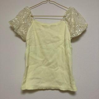 バイバイ(ByeBye)のバイバイ 花柄 Tシャツ オフショル レモンイエロー(Tシャツ(半袖/袖なし))
