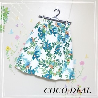 ココディール(COCO DEAL)のCOCO DEAL♡ボタニカル柄フレアスカート(ひざ丈スカート)