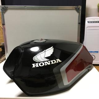 ホンダ(ホンダ)のCBX400F  Ⅱ型 ガソリンタンク 純正オリジナル塗装 黒赤(パーツ)