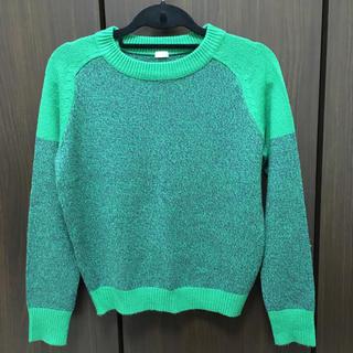 ジーユー(GU)の緑色のニット(ニット/セーター)