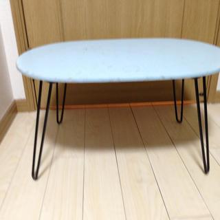 机(折たたみテーブル)