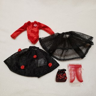 タカラトミー(Takara Tomy)のネオブライス☆アウトフィット デフォルト☆ロージーレッド☆ドレス 服(その他)